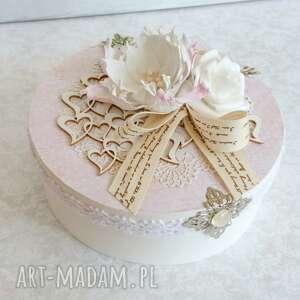made by kate okrągłe pudełeczko z łuby w delikatnych różach, pudełko