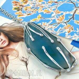 wisiorek z łańcuszkiem niebieskim agatem, kamieni, kamień
