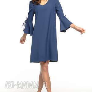 tessita sukienka z falbanką przy rękawie i dekoltem v - prosta