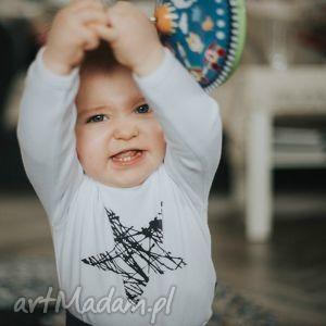 Białe body dla dzieci i niemowląt z długim rękawem - gwiazda