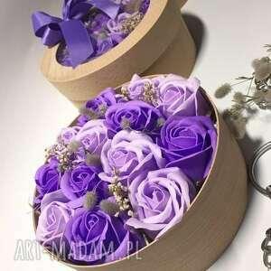 box flowers with soap 13 roses, róże, mydełka, oryginał, pudełko, święta