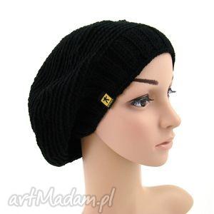 Prezent czarny beret, czapka, jesień, zima, prezent, berecik