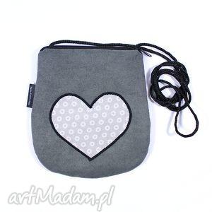 Prezent minitorebka szara z sercem, serce, walentynki, torebka, prezent