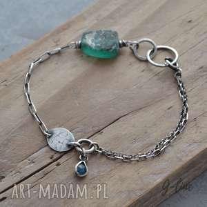 handmade bransoletki zielone szkło antyczne z apatytem. surowa srebrna bransoletka