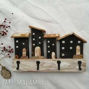 wieszaki wieszak z czarnymi domkami no1, dom domek, drewniany, czarno