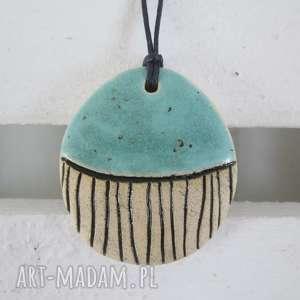 błękitny wisiorek ceramiczny, wisior turkusowy