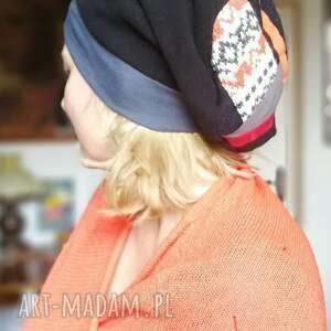 ruda klara czapka damska czarna z patchworkową góra, wiosenno-jesienna, obwód