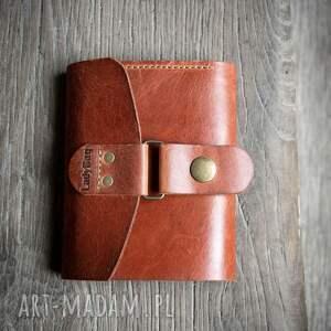 portfele wielofunkcyjny portfel w rudym kolorze wykonany z naturalnej skóry