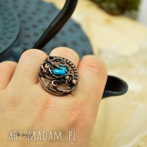 Prezent BLUE SEA- PIERŚCIONEK Z KORALEM NATURALNYM, pierścionek, miedź
