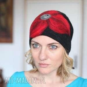 czapka czarna wełniana handmade, wełna, merynosy, kwiaty, folk etno boho