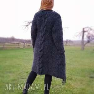 Długi sweter z ozdobnym warkoczem i frędzlami swetry lalu