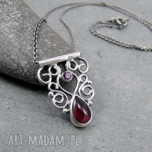 Tiny pendant orient garnet filligree, drobny, orientalny, ażurowy, filigran