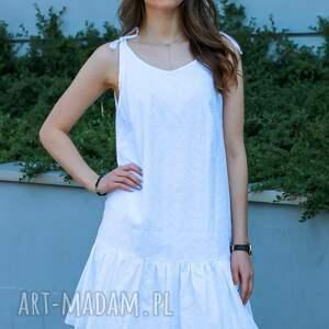 sukienka biała, batyst haftowany, wiązana na ramiączkach, idealna lato