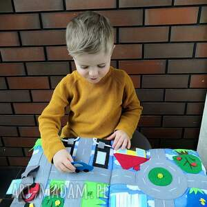 handmade zabawki książeczka sensoryczna quiet book dla chłopca od 3 lat
