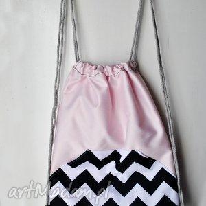 wyjątkowe prezenty, plecak worek, plecak, hipsterski, zygzak, różowy