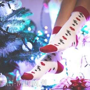 skarpetki świąteczne w renifery, renifer, śnieżynki, śnieg, prezent, choinka