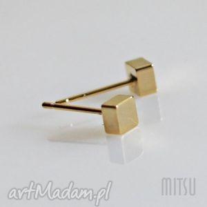 mitsu złote kostki, geometryczne, minimalizm, drobne, małe, kwadraty