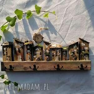 wieszaki wieszak z drewnianymi naturalnymi domkami, drewna, drewno