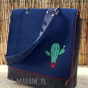 ręczne wykonanie na ramię filcowa torba z haftem - kaktusy
