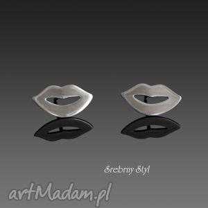 całuśne srebrny styl - minimalistyczne, oksydowane sztyfty, srebro
