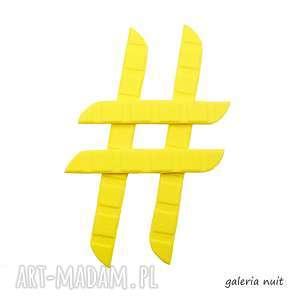 Hasztag # żółta przypinka, młodzieżowa, impreza, pianka, lekka, wytłaczana, znak