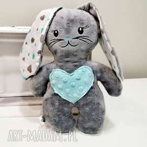 Szary królik z miętowy sercem, przytulanka minky dla dziecka