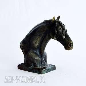 ręczne wykonanie ceramika popiersie konia fryzyjskiego | doskonały prezent na każdą okazję | dekoracja raku