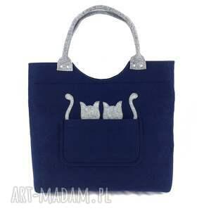 Gray cats on navy blue - ,torebka,do,ręki,kotki,filc,
