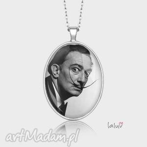 Medalion owalny dali naszyjniki laluv salvador, artysta, malarz