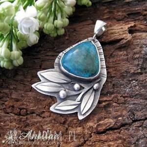 Wisiorek z chryzokolą, srebrny wisiorek, florystyczny motyw, liście, srebro