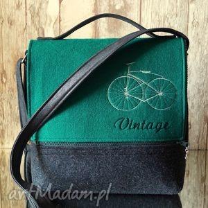 Filcowa torba z haftem - torebka, listonoszka, filc, haft, vintage, rower