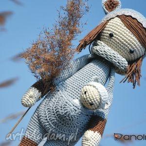 handmade maskotki piękna szydełkowa lala z bobaskiem na zamówienie