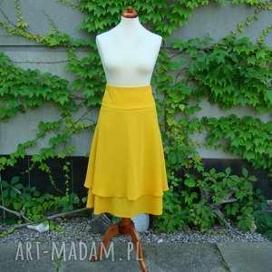żółta spódnica dwuwarstwowa, spódnica, falbana, falbany, zamek