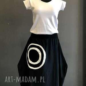 spódnica z mandalą, asymetryczna, mamdala, bawełniana, czarna