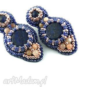 iwwart lapis lazuli w oplocie, lazuli, kamieńsłoneczny, haftkoralikowy