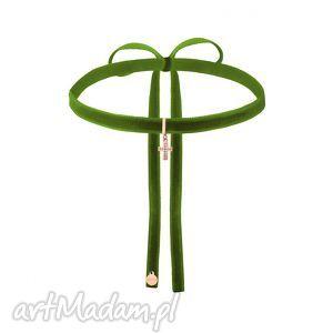 hand-made naszyjniki oliwkowy aksamitny choker z krzyżykiem różowego złota wysadzanym