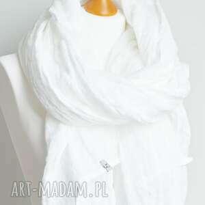 lniany szal chusta w kolorze białym, modny wiosenny, damski