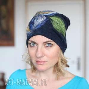 czapka wełniana damska granatowa, wełna, zima, kwiaty, filc, kolorowa, ciepła