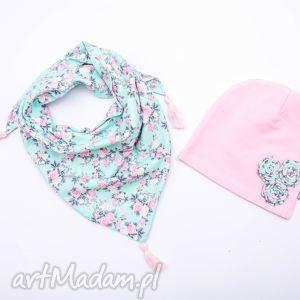 handmade czapki komplet dla dziewczynki: czapka z apaszką; róże na turkusie