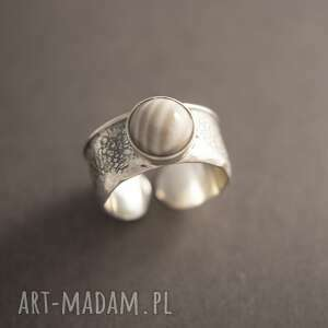 srebrny pierścionek z krzemieniem pasiastym, kamieniem, prezent