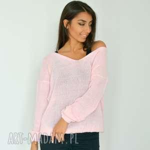 swetry różowy sweter z dekoltem oversize, dzianina, włóczka, pudrowy