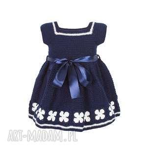 handmade sukienka dziewczęca z włóczki granatowa