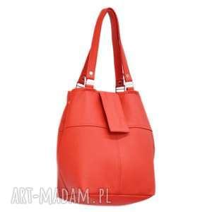 34-0003 Czerwona torebka ze skóry naturalnej z niklowanymi dodatkami IBIS
