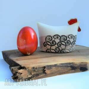 ceramika kura ceramiczna - kurka z koronką plus jajko ceramiczne jajo