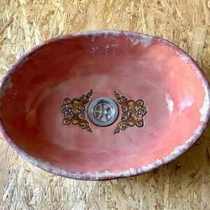 ceramiczna ręcznie robiona różowa umywalka, umywalka handmade, akcesoria