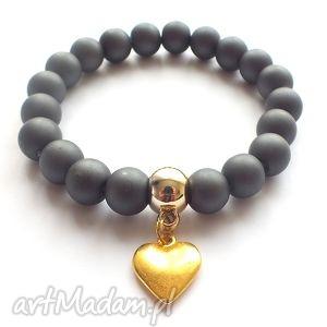 bransoletki bransoleta matt graphite gold heart, matowe, perły, serce, zawieszka