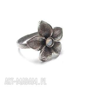 orchid - pierścionek, srebro, oksydowane, kwiaty, swarovski, metaloplastyka, pod