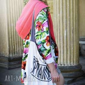 długa bluza oversize z motywem tropikalnym, ogromny kaptur, flamingi, ananasy m