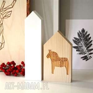 2 domki z konikiem, domki, domek, drewniany, konik, koń