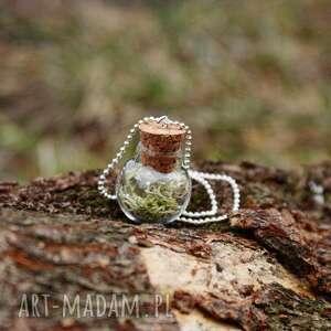 wisiorek z mchem, naszyjnik, buteleczka, mech, natura, szkło, leśne wisiorki